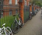 Puerta de la escuela en Alemania